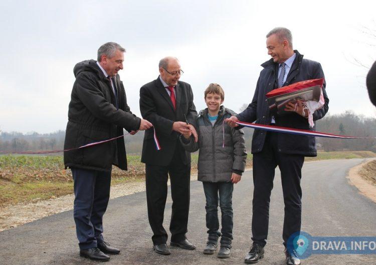 Župan, potpredsjednik Vlade Štromar i načelnik Kolman svečano otvorili prometnicu u Subotici Podravskoj