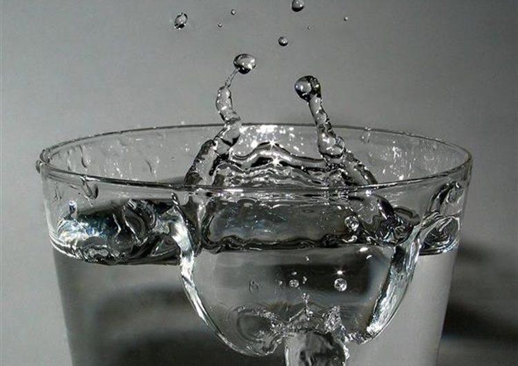 Pijete hladnu vodu po ovim vrućinama? Radite veliku grešku i zato teže podnosite vrućine