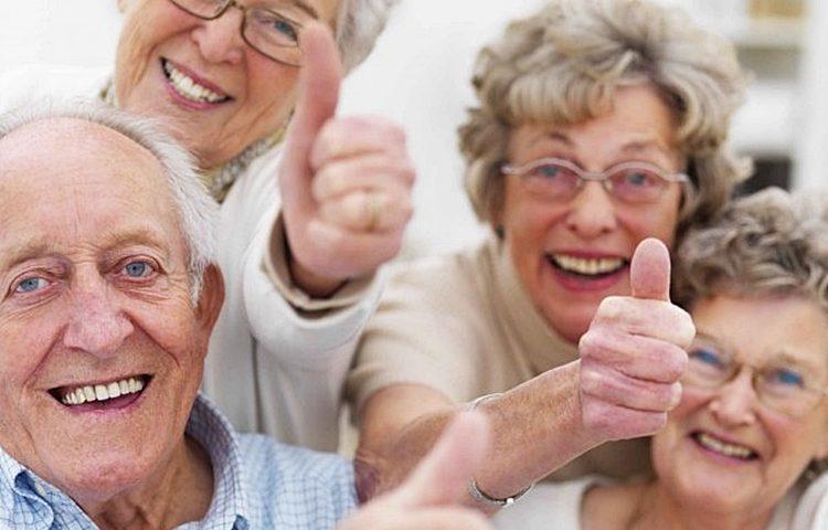 Konačno dobre vijesti i za umirovljenike: Od sljedećeg mjeseca rastu mirovine – saznajte koliko!