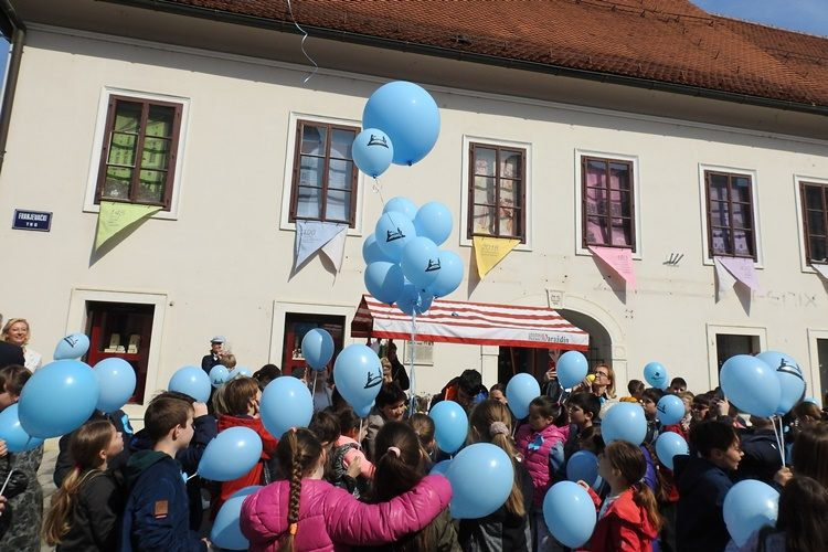 Obilježen Svjetski dan autizma u Varaždinu – čak se i župan odrekao plaće za pomoć potrebitima
