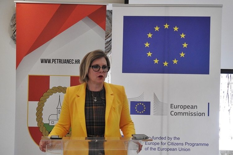 Kandidatkinja SDP-a za Europski parlament Barbara Antolić Vupora u Petrijancu