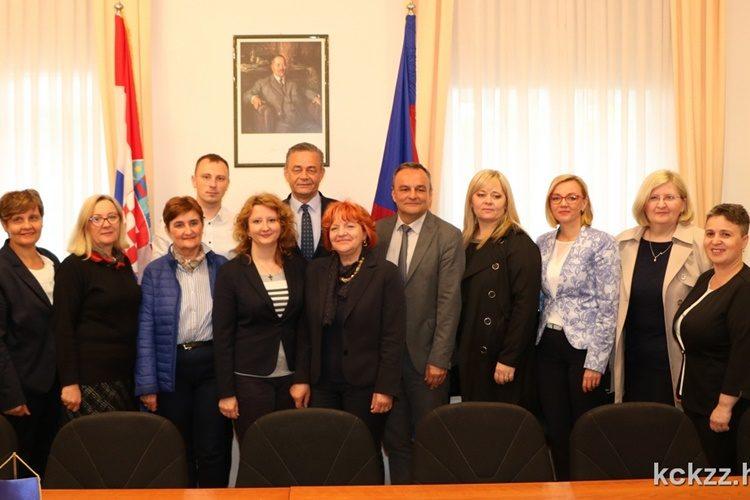 Predstavnici županijske podružnice Hrvatske udruge medicinskih sestara na prijemu kod župana  Korena