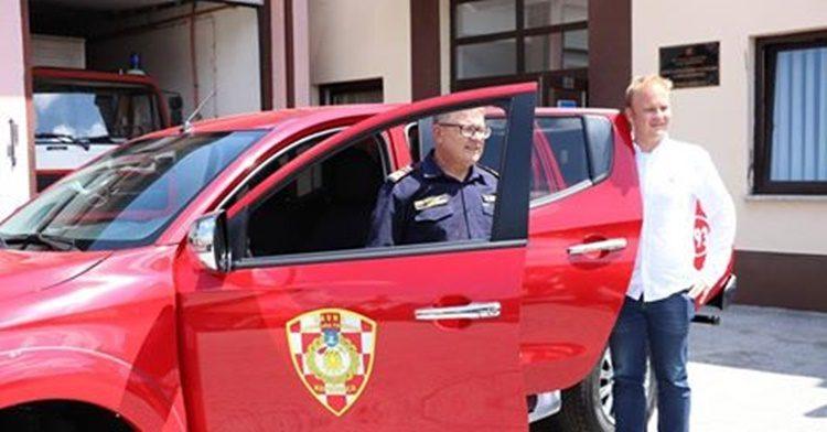 Predstavljeno novo vatrogasno vozilo JVP Grada Koprivnice