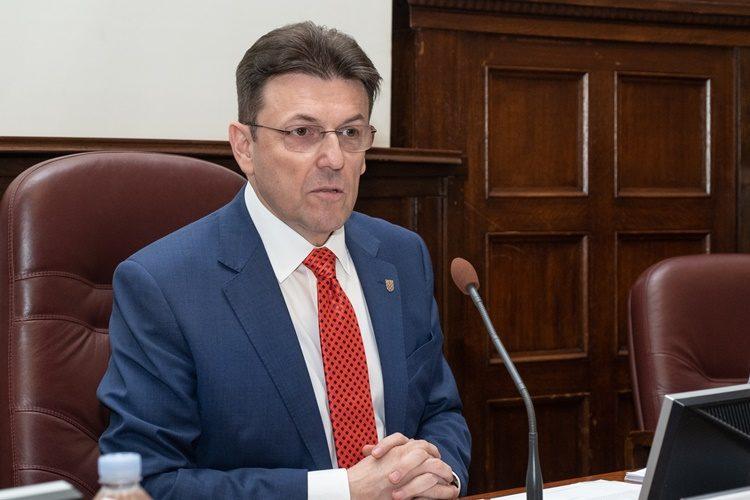 RADNIKA NEMA NI ZA LIJEK: Burilović: Nedostatak radne snage je pitanje svih pitanja