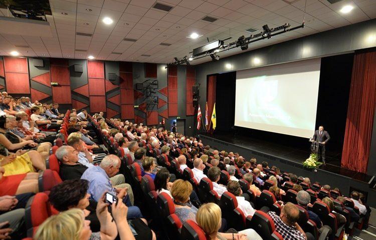 FOTO: Na svečanoj sjednici Grada Novog Marofa svi pohvalili gradonačelnika