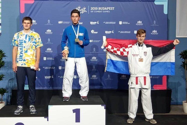 Varaždinac Dorian Kalajdžija osvojio broncu u karateu na svjetskom srednjoškolskom Prvenstvu u Budimpešti