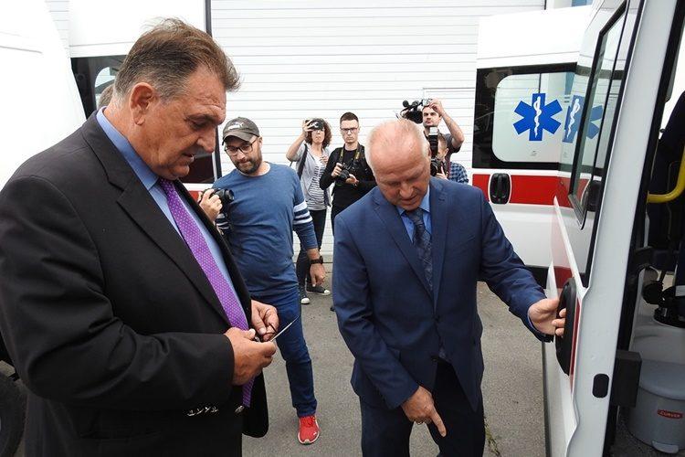 Zavodu za hitnu medicinu četiri nova vozila za sanitetski prijevoz