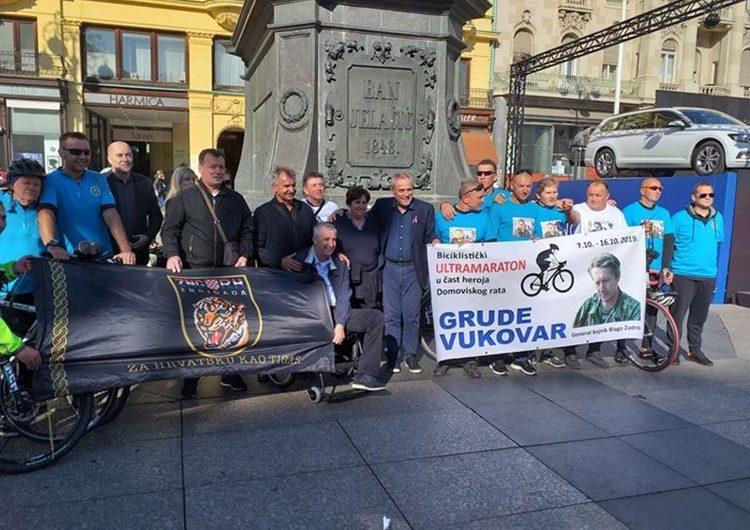 Sudionici ultramaratona iz Gruda do Vukovara dočekani na Trgu bana Jelačića