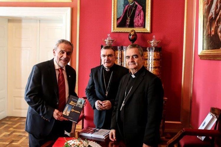 Susret gradonačelnika Bandića s kardinalom Bozanićem i nadbiskupom Eterovićem