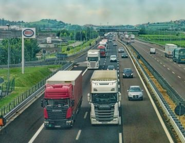 RASTE NEZADOVOLJSTVO: Koprivničko-križevačka i osam partnerskih županija potpisale inicijativu za rješavanje prometne diskriminacije hrvatskih prijevoznika roba u tranzitu