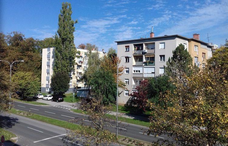 CIJENE NEKRETNINA OTIŠLE U NEBO Za 8 kvadrata u jednom dalmatinskom gradu možete kupiti kuću u Vukovaru