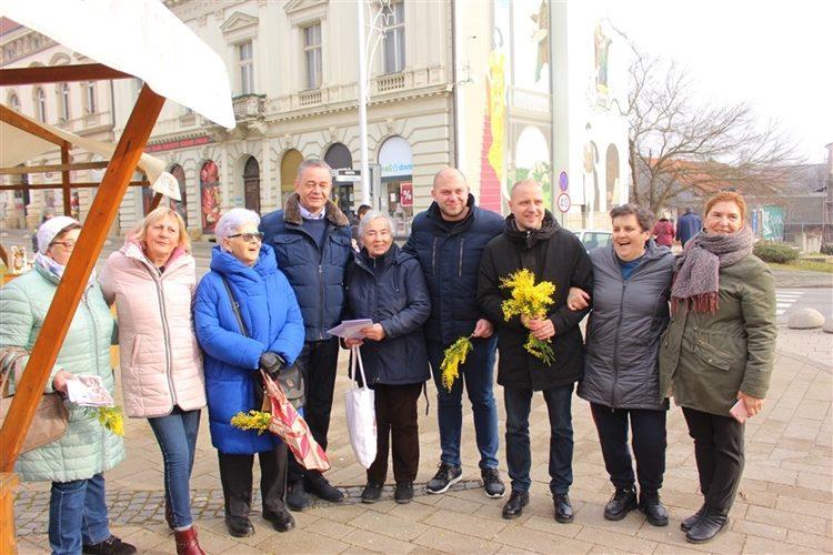 Na gradskim trgovima u Koprivnici, Križevcima i Đurđevcu obilježen 13. Dan mimoza