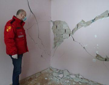 FOTOGALERIJA Župan Kolar u Slanom Potoku obišao kuće oštećene u nedavnom potresu