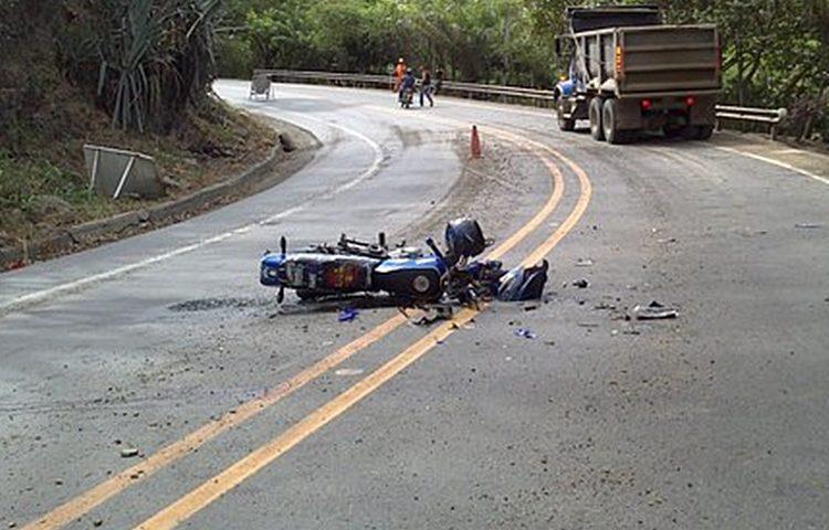 Zbog neoprezne vozačice 18-godišnji motociklist završio u bolnici