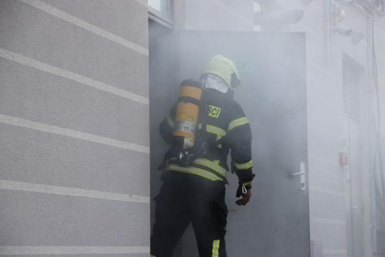 Vatrogasci opet na terenu – zapalili se kuća i gospodarski objekt