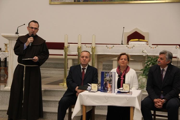 Predstavljene monografija i medalja povodom 20. obljetnice Župe sv. Antuna Padovanskog