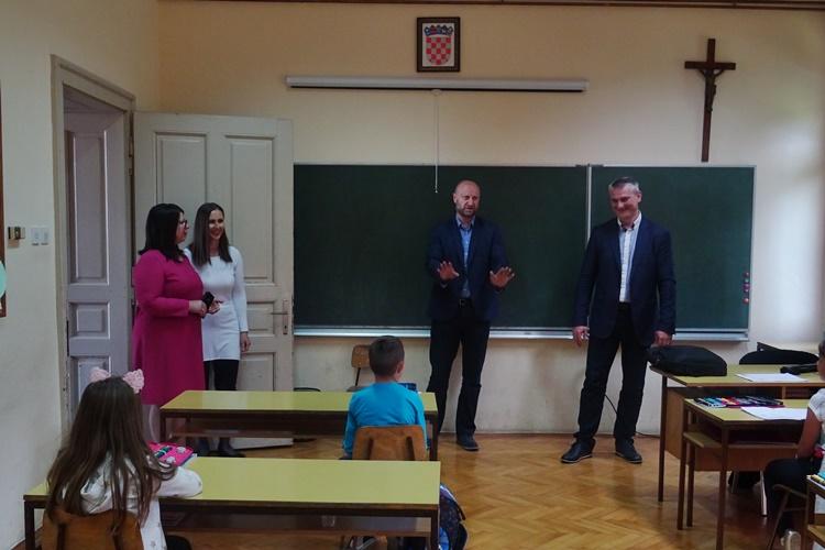 Župan Kolar u PŠ Lepa Ves: Naše je opredjeljenje ulaganje u obrazovanje, ne samo u matične, već i u područne škole