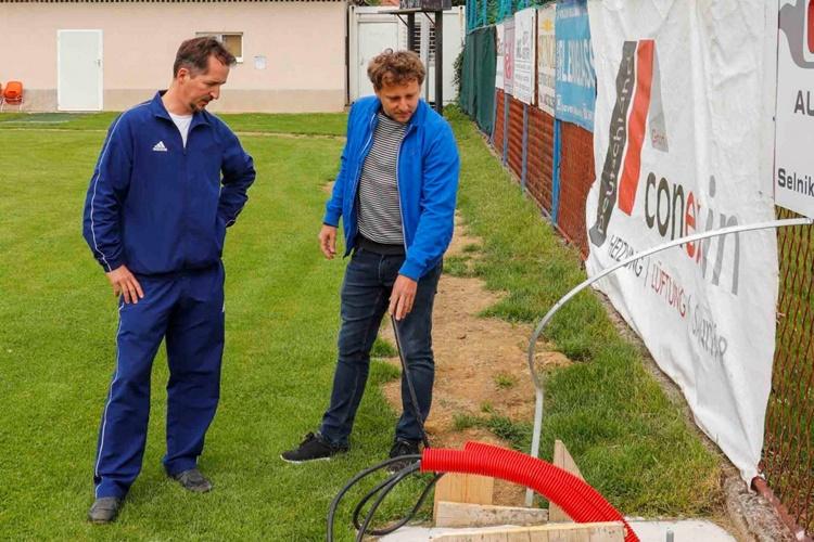 UZ 150.000 KN POTPORE GRADA IVANCA Nogometno igralište u Ivancu dobiva rasvjetu