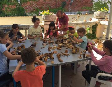 Ludbreg petkom: Zajednička izložba Marije Vugrinec Bobek i Matije Bobeka i radionica izrade drvenih igračaka