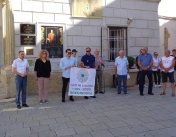 Zamjenik župana Tomislav Paljak odao počast žrtvama genocida u Srebrenici