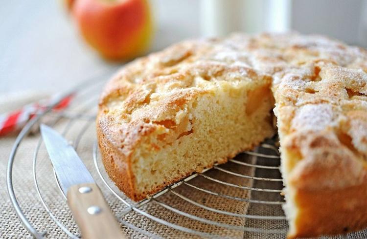 Donosimo recept za Brzi kolač s jabukama
