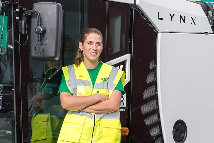 """Rascova čistilica """"Lynx"""" održava pogone međimurskog Tehnixa: Njome upravlja dama, a čisti kompleks od čak 100 tisuća kvadrata"""