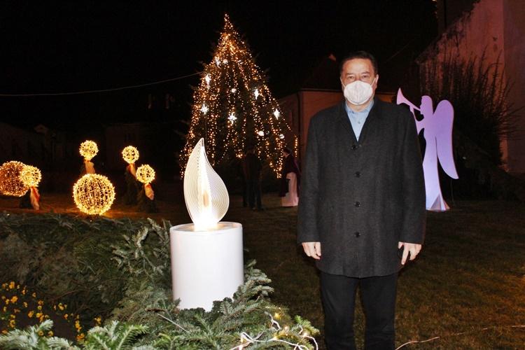 FOTO: I u Lepoglavi upaljena prva adventska svijeća