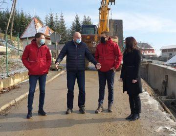 Župan Kolar obišao radove na sanaciji klizišta u Vojnovcu Loborskom vrijedne gotovo milijun kuna