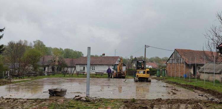 Započelo uređenje novog dječjeg igralište kod Etno kuće