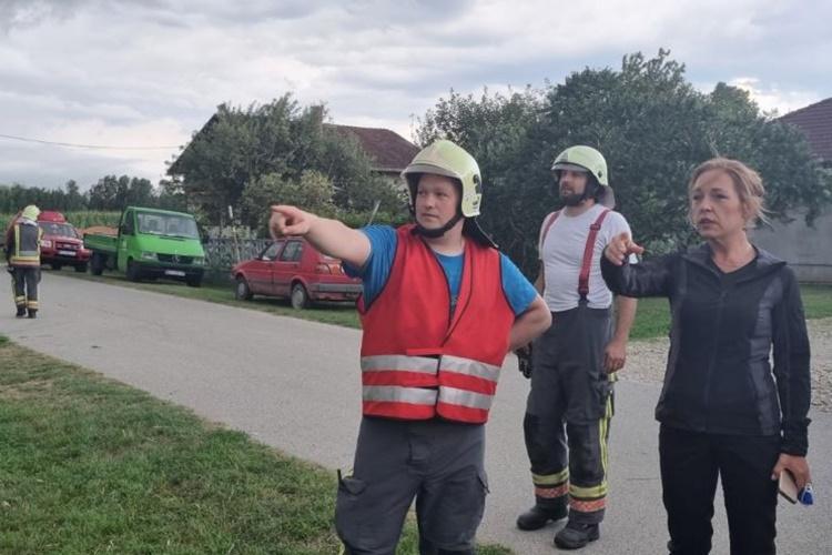 Jak vjetar nanio velike štete u naselju Hrženica, teren obišla načelnica Stožera Silvija Zagorec i općinski načelnik Jany