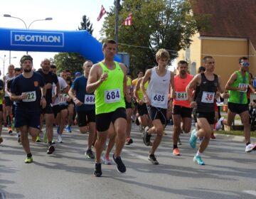 FOTO Kristijan Rubinić i Tea Faber pobjednici 27. Joma Varaždinskog polumaratona